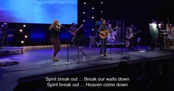 Spirit Break Out w/ Tim Hughes during Bethel Church Service